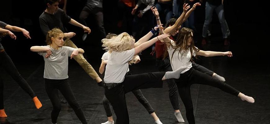 Dos ados - stage de danse avec Vincent Blanc Atelier/Stage