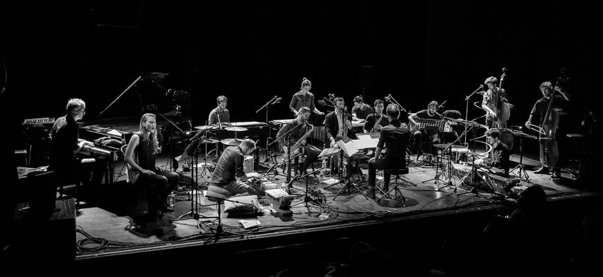 Aum Grand Ensemble - You've Never Listened to the Wind  Classique/Lyrique