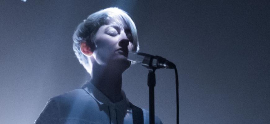 Jess Hatton-Brown, La folk en apesanteur Rock/Pop/Folk