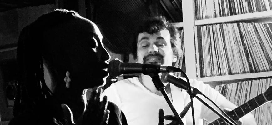 Ndeye en duo acoustique Jazz/Blues