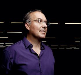 """Alain Damasio : """"La science-fiction est, pour moi, le genre qui interroge ce que la technologie fait à l'homme."""""""