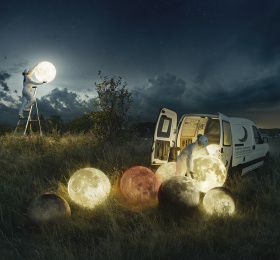 Image To the moon and back, d'Erik Johansson Photographie