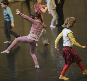 Image À pieds joints - atelier danse parents/enfants Atelier/Stage