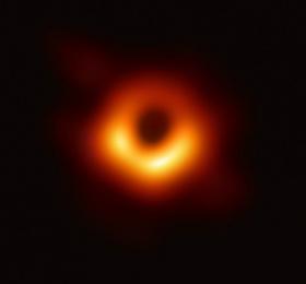 Image Les dessous de la première image d'un trou noir Conférence/Débat