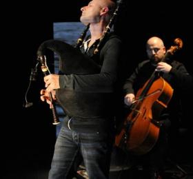 Comme souffler dans un violoncelle - Erwan Martinerie et François Robin