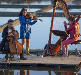 Image L'escale (trio : Delphine Coutant, Daniel Trutet, Céline Gravot) Musique du monde